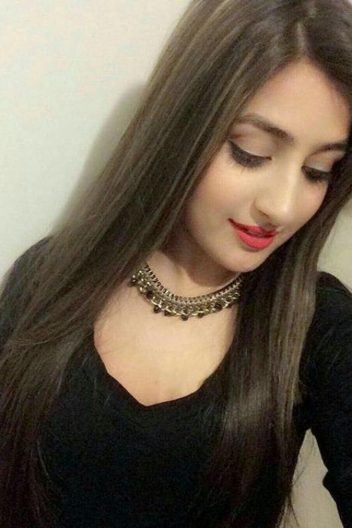 Cute Girl in Lahore
